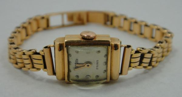 d014164879d Relógio feminino suíço de pulso da marca