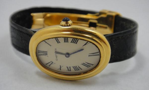 46f2b594228 CARTIER-FRANCE. Relógio feminino suíço oval de pulso