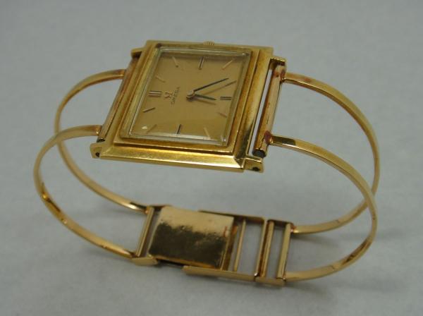 ed3ed14f3ae Relógio feminino suíço de pulso da marca