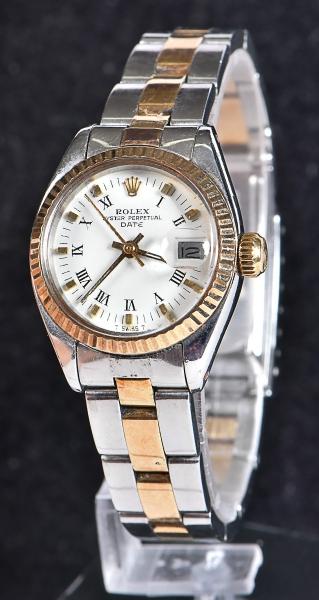 1695abc6d6a ROLEX. Relógio feminino suíço de pulso automático com calendário da marca.  content image 0