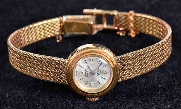 ad28ba97a71 Relógio feminino suíço de pulso da marca. content image 0