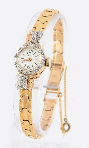 5863196b712 Relógio feminino suíço de pulso da marca