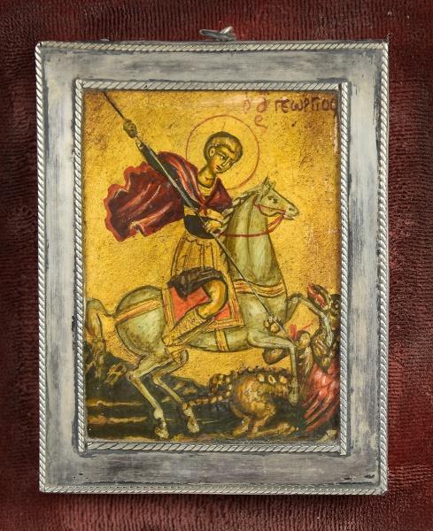 """Ícone russo miniatura, representando """"São Jorge subjugando Dragão"""". Moldura em prata contras"""