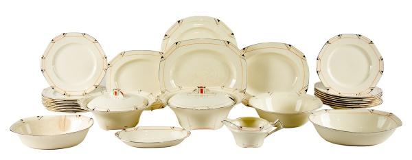 Aparelho para jantar com 59 peças genuinamente art deco em faiança inglesa dos anos 30, manufatura &