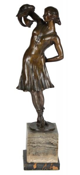 """FRANCESCO MILANI (ITÁLIA, 1900). """"A Jovem e a Cacatua"""", escultura art deco em bronze patinad"""