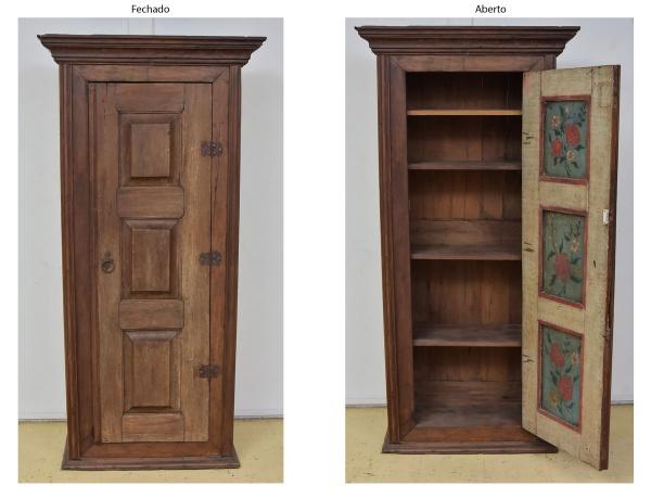 Raro armário rústico em vinhático, Minas - séc. XVII. Frente com porta almofadada. Parte interior da