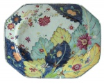 Raríssima travessa retangular com cantos chanfrados em porcelana chinesa da